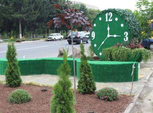 Годинник та штучний газон скоро з'являться у Хмільнику