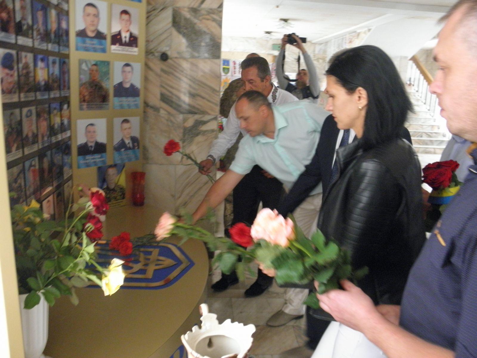 Хмільничани вшанували загиблих воїнів-захисників