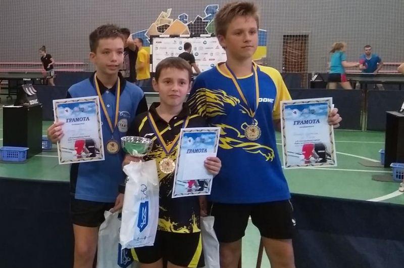 Хмільницькі юні тенісисти вдало виступили на міжнародному турнірі у Львові