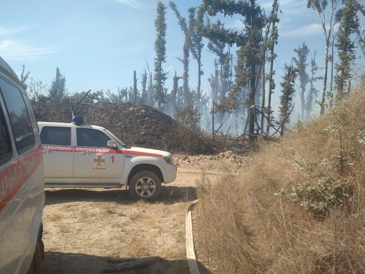 Наші рятувальники теж брали участь у гасінні пожежі на Калинівському арсеналі