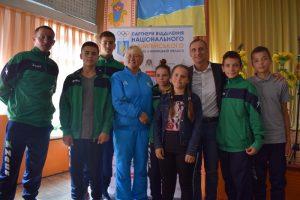 Срібний призер Олімпіади 1992 року у Барселоні Павло Хникін поспілкувався із хмільницькими учнями