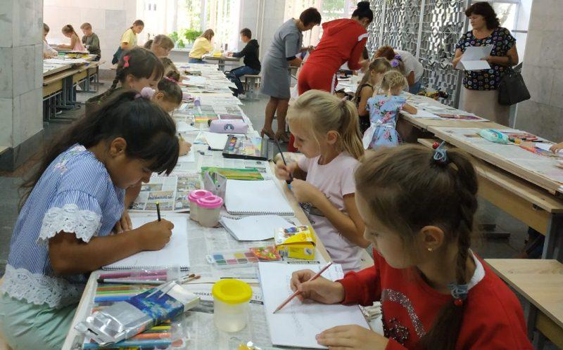 Хмільницькі діти малювали рідне місто