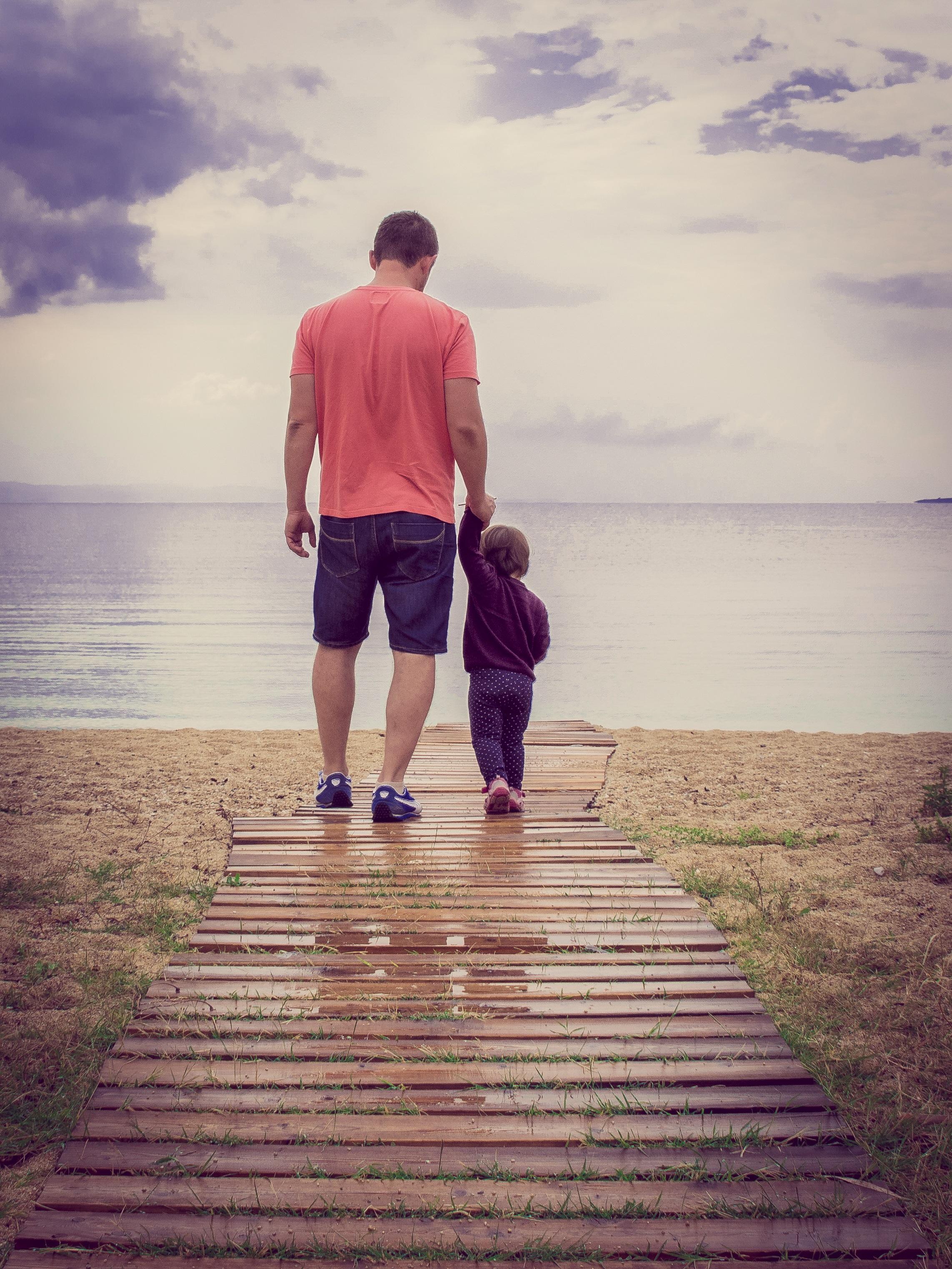 ТОП-5 справ, які тато зробить краще за маму