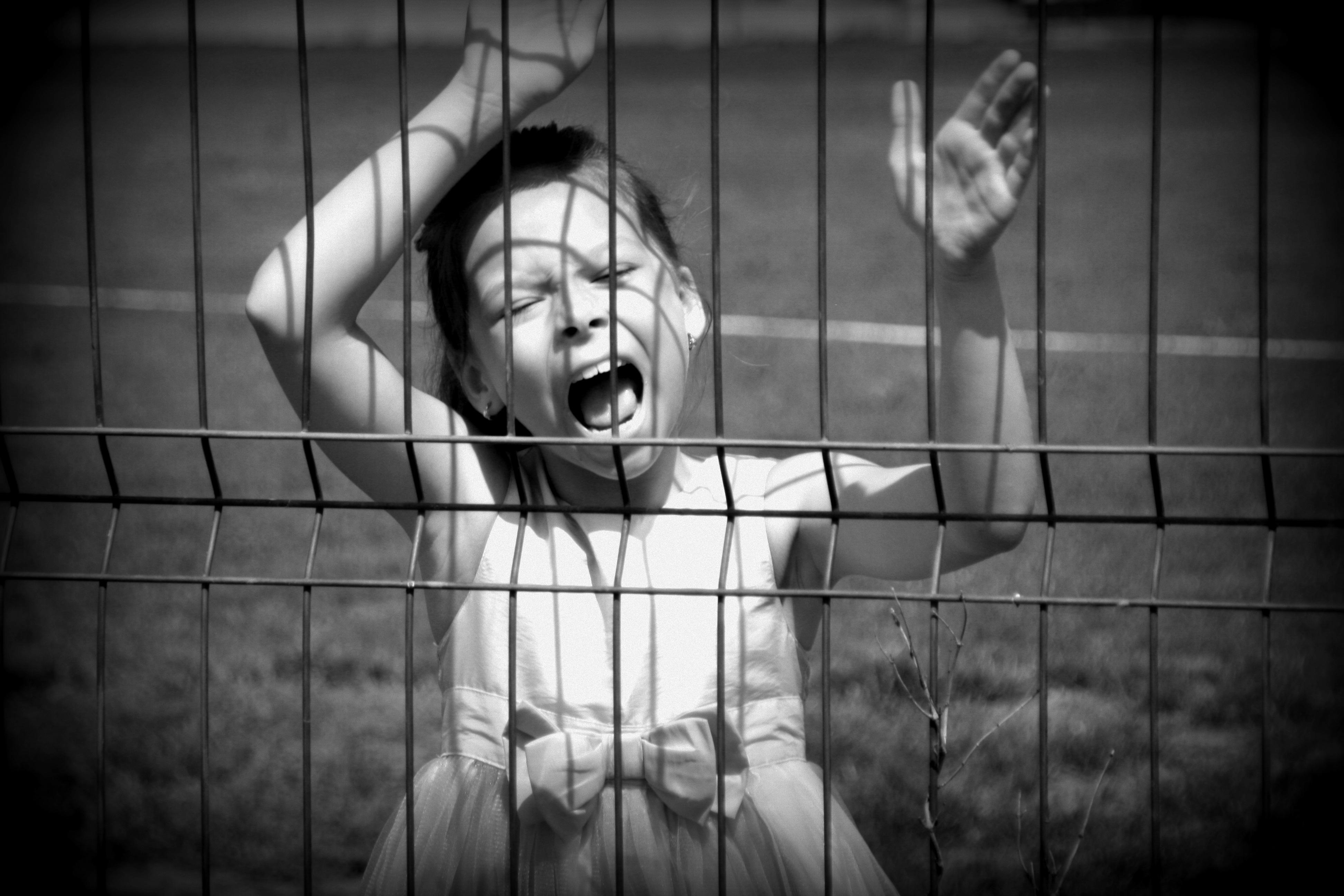 Істерика у дитини: може й собі по підлозі покататись?