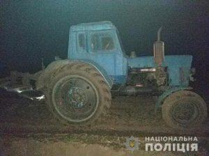 П'яний тракторист збив жінку та тікав від поліцейських у Хмільницькому районі