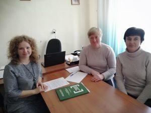 Мобільні пункти консультування громадян з правової допомоги працювали по селах Хмільницького району