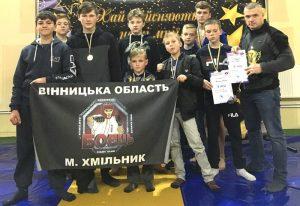 16 медалей вибороли хмільнцькі юні самбісти на чемпіонаті Вінницької області
