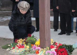Як хмільничани вшанували жертв голодоморів українського народу