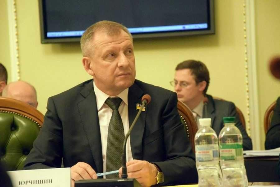 Нардеп по Хмільницькому району Петро Юрчишин утримався при голосуванні за продаж земель