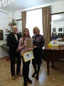 """Кращим юним художником року за підсумками обласного конкурсу """"Різдвяна зірка"""" стала хмільничанка Вікторія Кошель"""