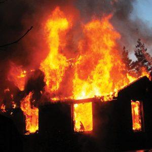 Літня кухня спалахнула вчора вночі у Широкій Греблі