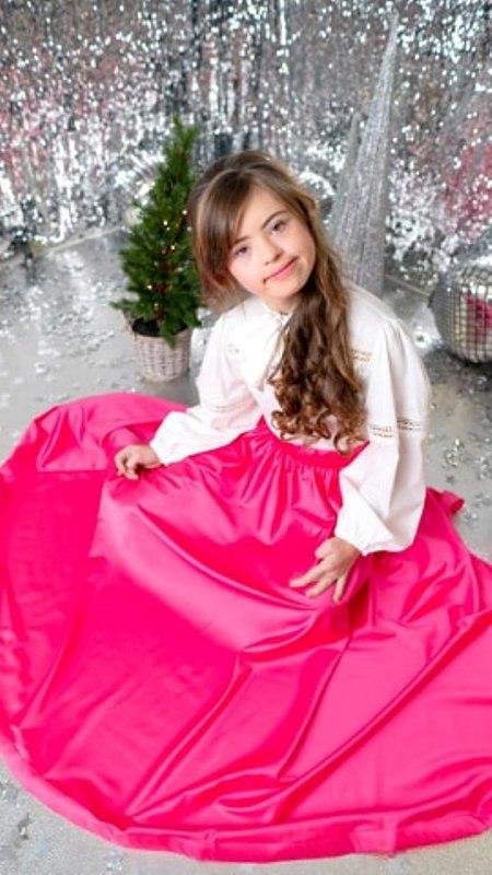 """Юна хмільничанка Ангеліна Цюпенко стала найяскравішою """"Рідзвяною Зірочкою"""" міжнародного фестивалю моди у Чехії"""