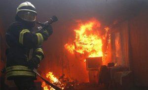"""""""ВАЗ 2106"""" та п'ять велосипедів згоріли сьогодні вночі у Хмільнику"""