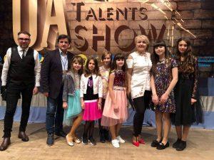 """Юні співачки з Хмільника перемогли та вибороли призові місця на фестивалі """"UA Talents SHOW"""""""
