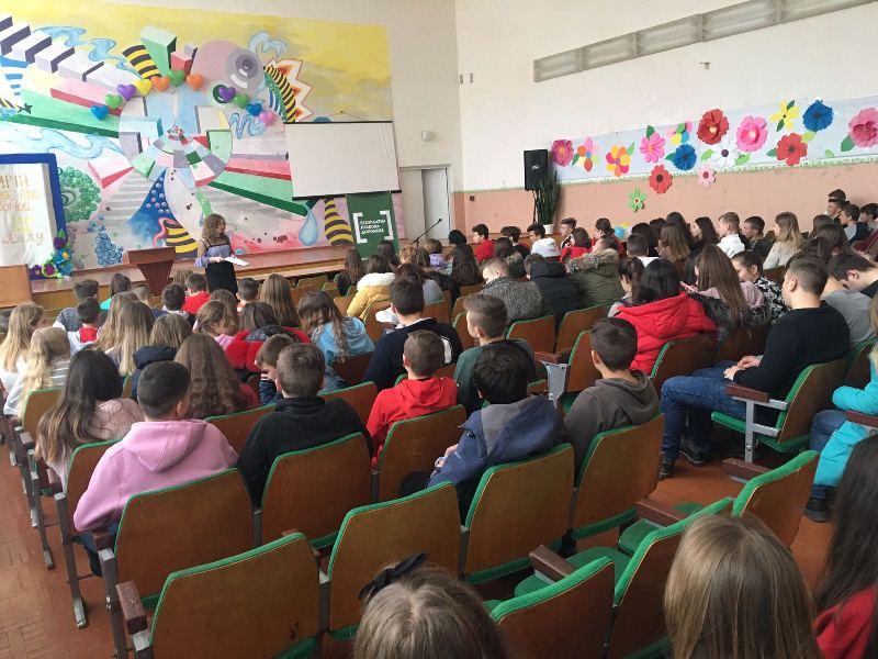 Хмільницьким учням розповіли про відповідальність неповнолітніх