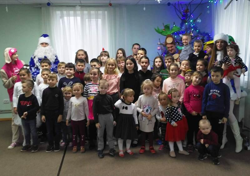 Дітей хмільницьких воїнів-захисників України урочисто привітали із новорічними та різдвяними святами