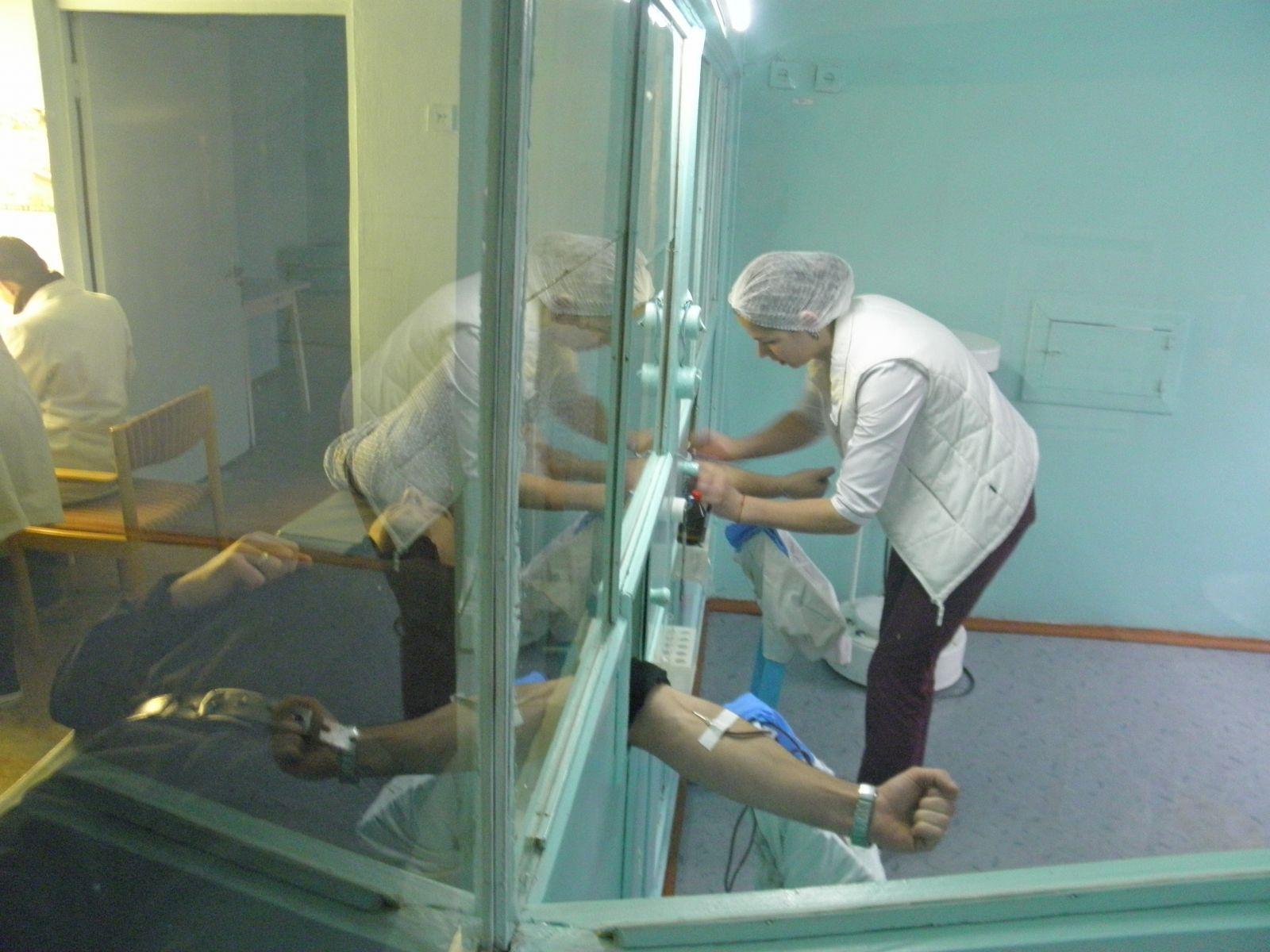 Як голова Хмільницької РДА із заступником здавали кров