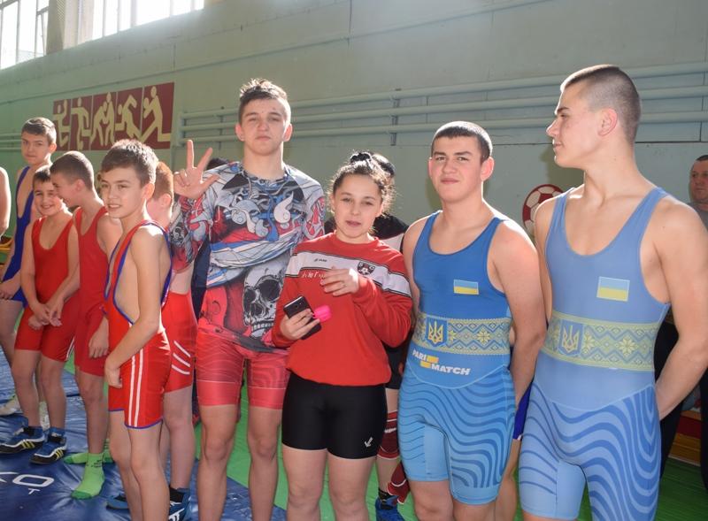 Хмільницькі юні борці, легкоатлети та гандболісти вибороли ряд перемог на обласних змаганнях