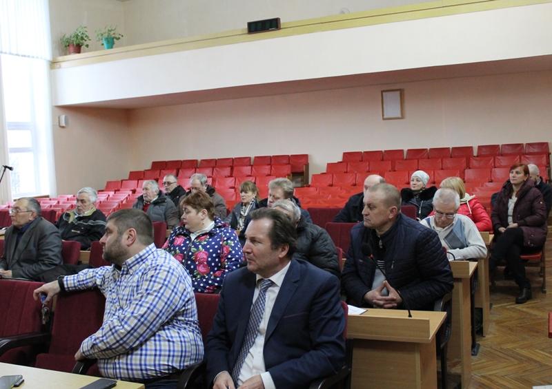 """Хмільницькі посадовці та представники """"Водоканалу"""" зустрілись із головами будинкових комітетів міста"""
