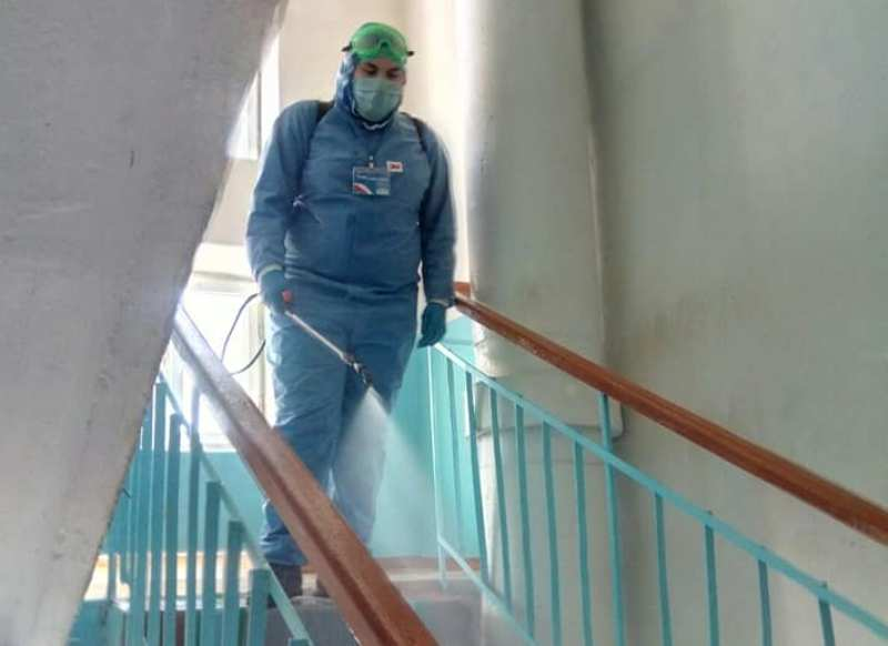 У Хмільнику триває дезінфекція будинків та прилеглих територій