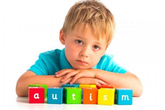 Одягни блакитне: завтра міжнародний день поширення інформації про аутизм