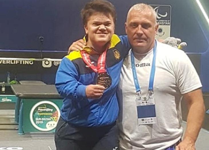 Хмільницька спортсменка Мар'яна Шевчук та її тренер відзначені грошовою винагородою