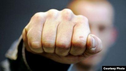 Чоловік, якого розшукувала хмільницька поліція, побив разом із товаришем людину в Уладівці