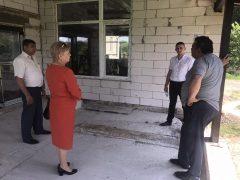 У Березній наводять благоустрій у центрі села, а у Куманівцях триває реконструкція дитячого садочку