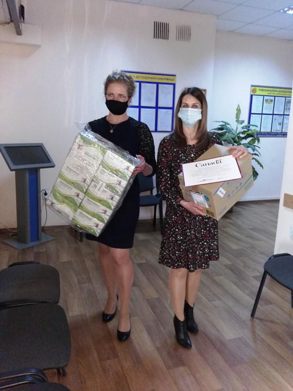 Центр надання адміністративних послуг у Хмільнику отримав допомогу від партнерів проєкту ПРОМІС