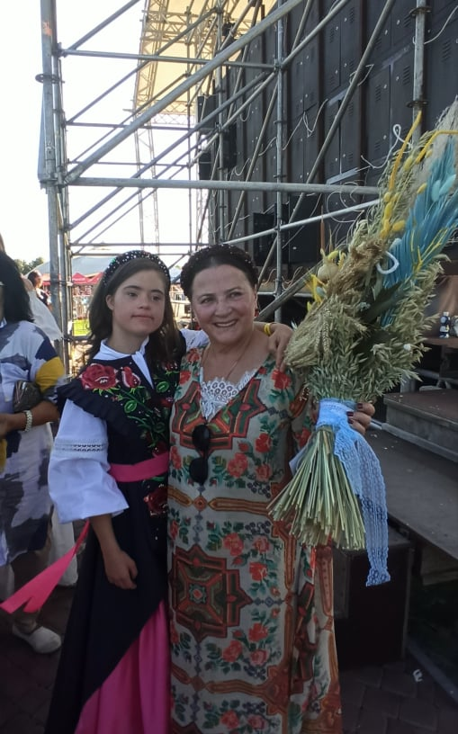 Вокальний дебют хмільничанки Ангеліни Цюпенко відбувся на столичній сцені із легендарною Ніною Матвієнко