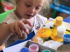 Місія «ЗІБРАТИ В ШКОЛУ»: 20 діток з інвалідністю у  Хмільнику отримали необхідне шкільне приладдя