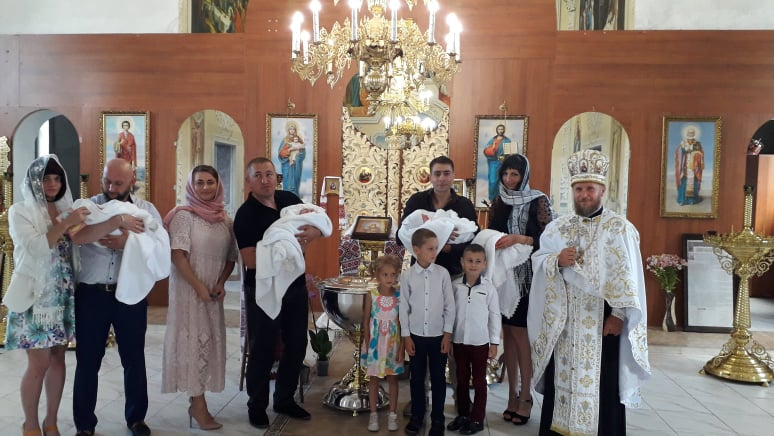 Віра, Софія, Любов: відбулося таїнство хрещення унікальної хмільницької трійні