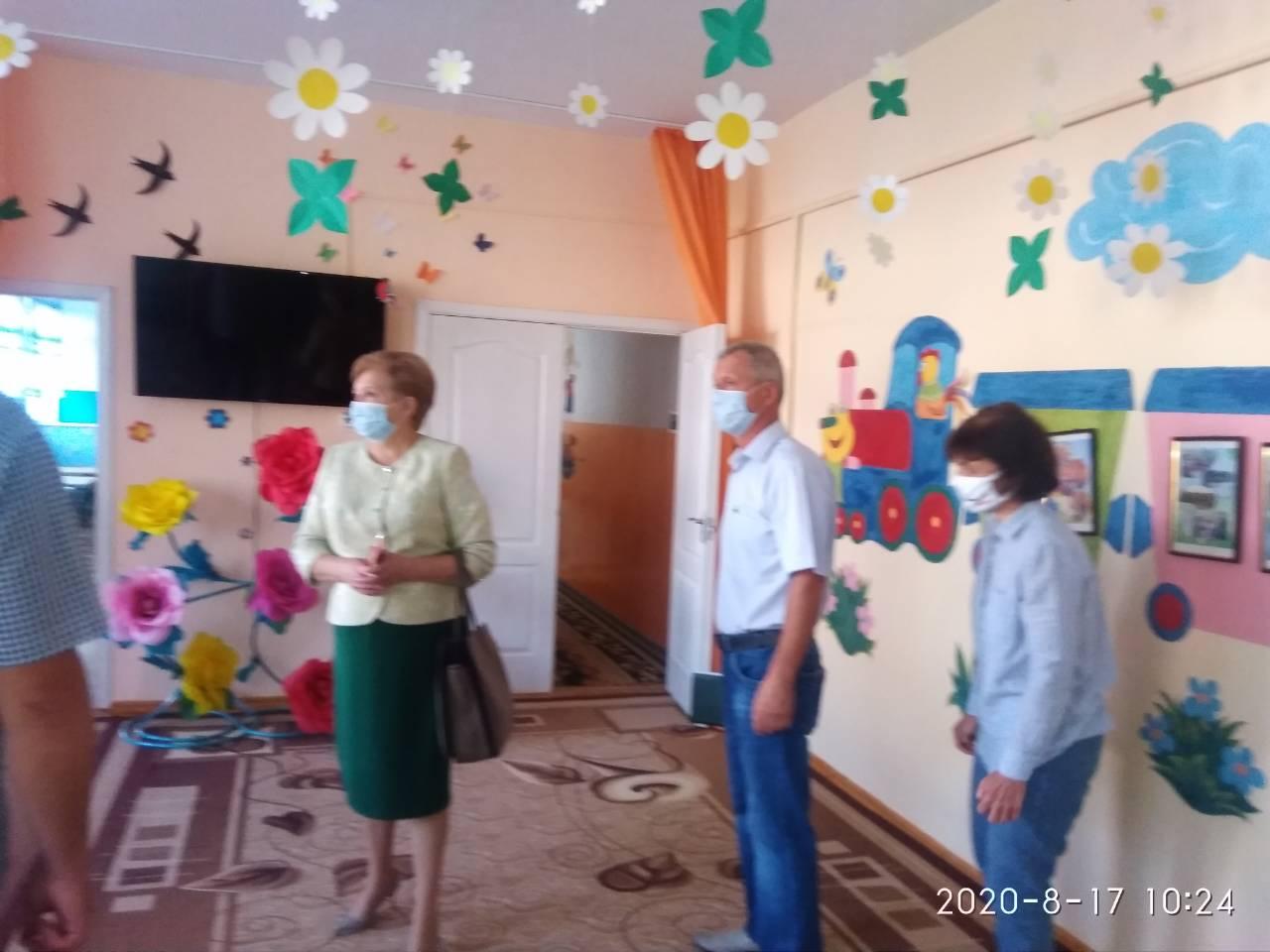 """Чи готові школи Хмільницького району до """"карантинного"""" 1 вересня? (фоторепортаж)"""