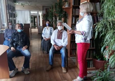 Захід з нагоди Дня пам'яті загиблих українських Воїнів-Героїв відбувся у Хмільницькій районній бібліотеці