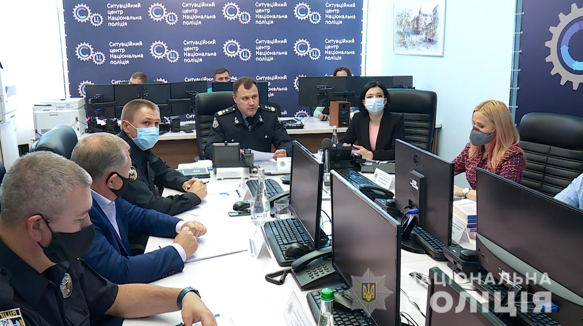 Обласні поліцейські, в тому числі й хмільницькі,  оперативно реагуватимуть на всі порушення виборчого законодавства