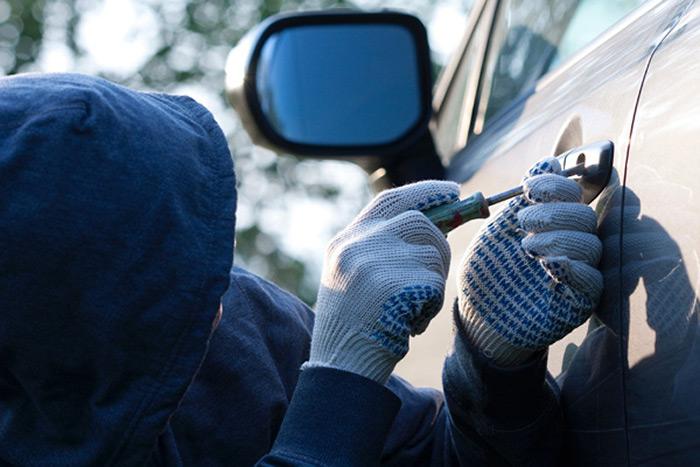 За викрадення авто і розповсюдження спецзасобів для злому автівок- кримінальна відповідальність: з'явився новий закон щодо протидії незаконному заволодінню транспортних засобів