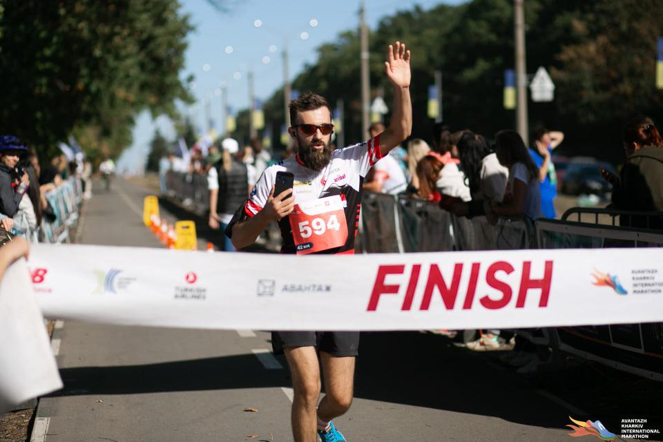 «Усі 42 кілометри я біг» хмільничанин Антон Кримець розповідає про міжнародний офлайн марафон