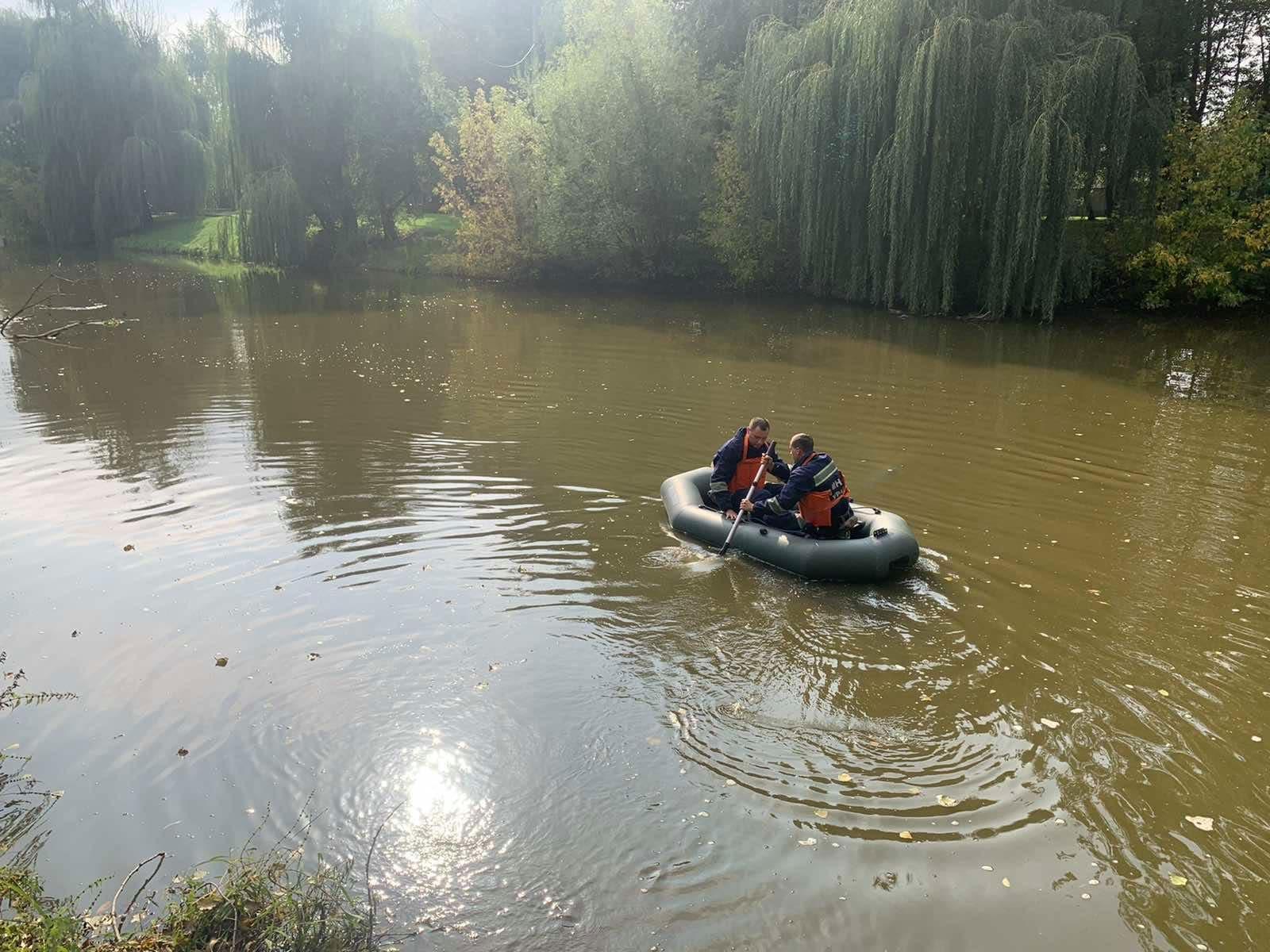 У Хмільнику рятувальники вилучили з водойми потопельника