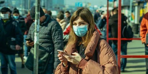 Вулиця – це теж громадське місце? – де хмільничанам потрібно носити маску, щоб не отримати штраф