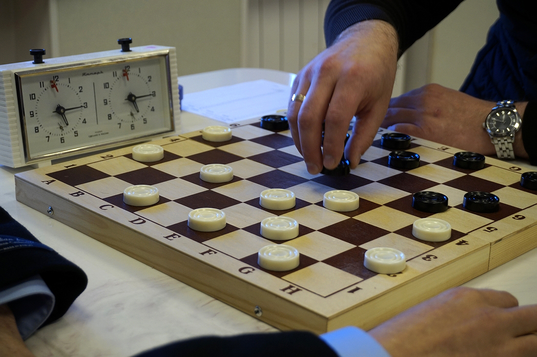 Хмільничанин та його учениця здобули переможні місця в Чемпіонаті Вінницької області з шашок-64