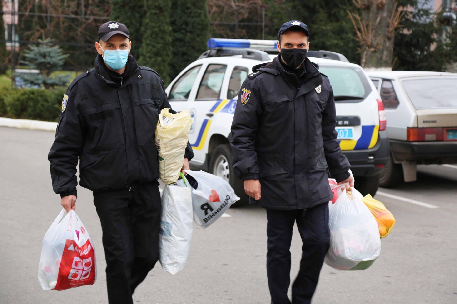 Поліцейські Вінниччини організували благодійну акцію допомоги дітям з кризових сімей та інтернатів