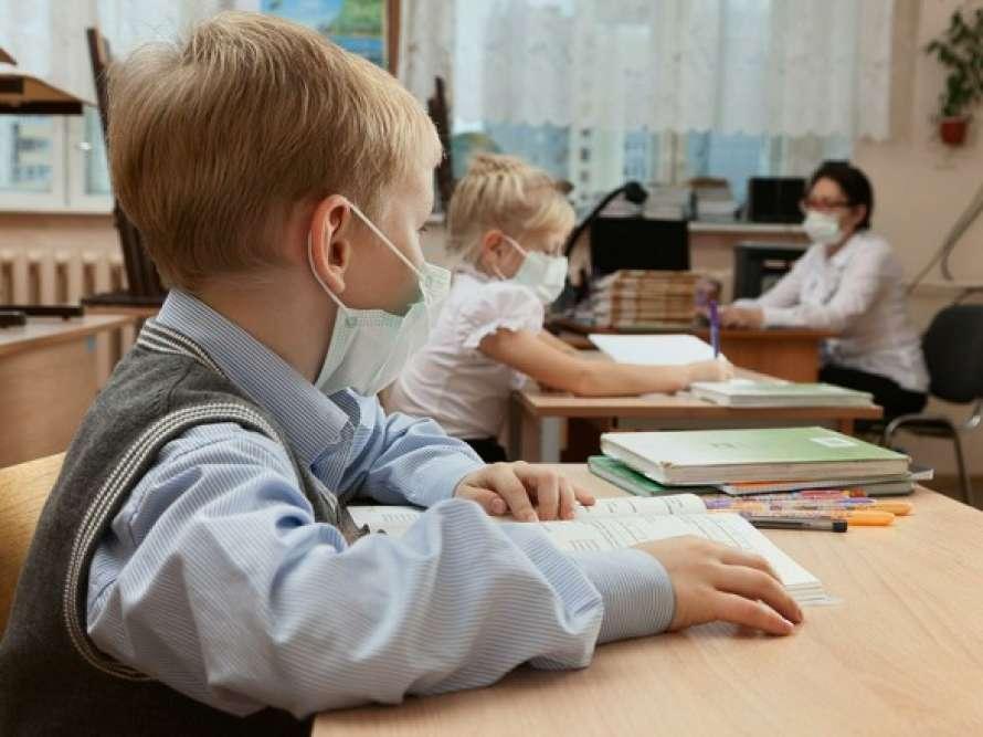У Хмільницькій міській раді повідомили, як навчатимуться школярі після локдауну