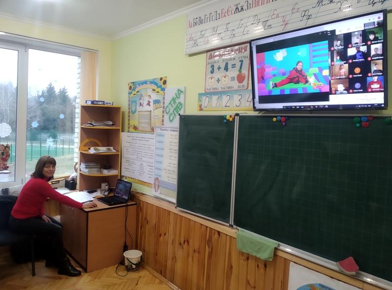 В школярів розпочалося дистанційне навчання