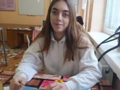 Жителька новоутвореного Хмільницького району потрапила під потяг: стан дівчини важкий