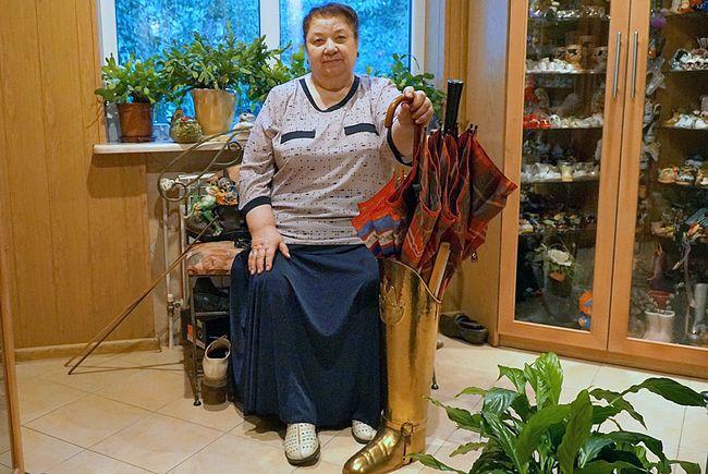 Унікальну колекцію сувенірних черевичків з 62-х країн світу зібрала хмільничанка Неля Рибак