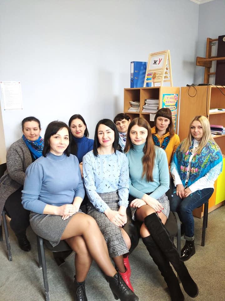 Одягни блакитне: наші земляки долучились до акції на підтримку людей з аутизмом