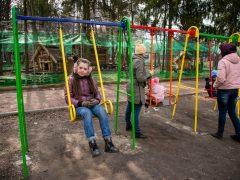 Інклюзивний майданчик в Хмільницькому міському парку має бути не лише розвиваючим для дітей з інвалідністю, а й об'єднуючим місцем сили
