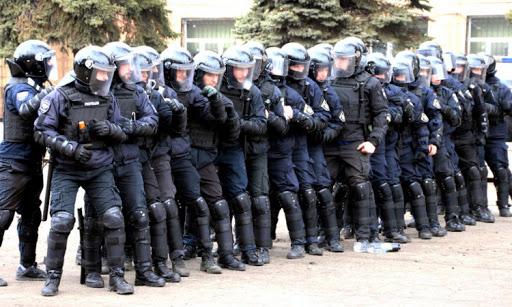Хмільничан просять не панікувати, якщо з 19 по 23 квітня вони побачать скупчення поліції
