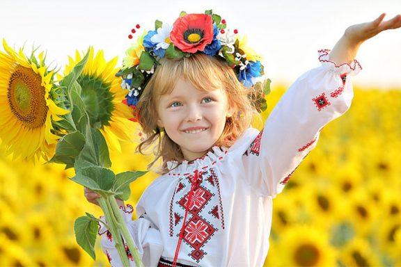 """Хмільничан запрошують на пісенний марафон """"Заспіваймо у вишиванках"""""""