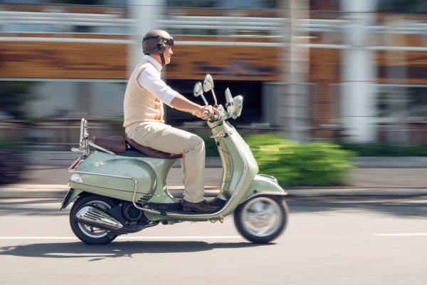 В жителя Хмільницького району з гаража викрали скутер: оперативники викрадача затримали
